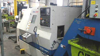 DOOSAN LYNX 220LC CNC UNIVERSAL TURNING CENTER