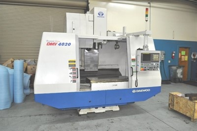 DAEWOO DMV 4020 VERTICAL MACHINING CENTER
