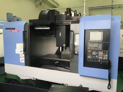 DOOSAN VM6500 CNC 4th AXIS VERTICAL MACHINING CENTER