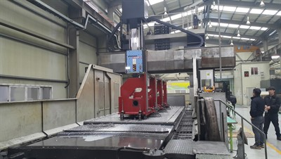 DOOSAN DCM 2760F CNC BRIDGE TYPE VERTICAL MACHINING CENTER