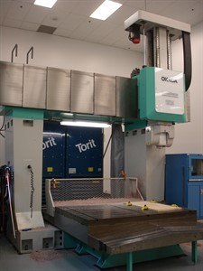 OKADA MM 1524 CNC 5 AXIS BRIDGE TYPE MACHINING CENTER